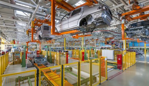 最近よく聞く『産業用ロボット』。その種類と活用事例をご紹介します!