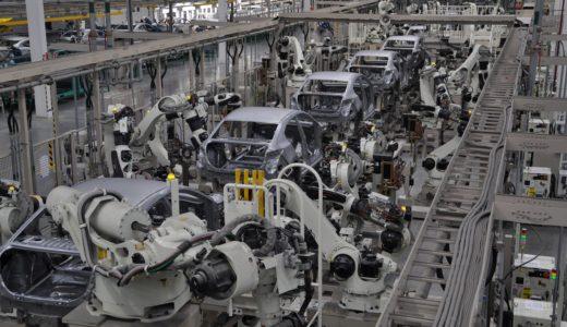 産業用ロボットと協働ロボットの違いとは?