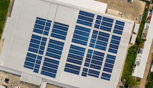 工場の電気代削減を考えた場合、太陽光発電導入が正解?